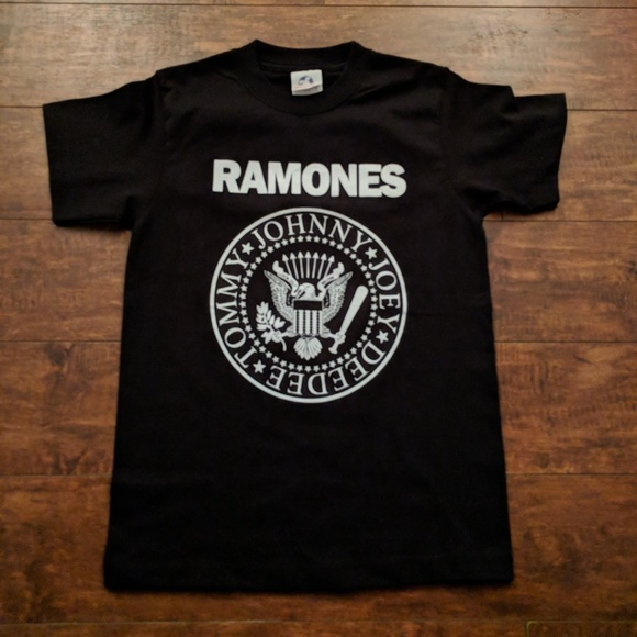 Small Navy Blue /& Red Ladies Ramones Presidential Seal T-shirt Tshirt